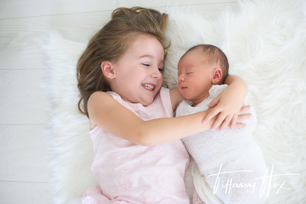 newborn-big-sister-pictures
